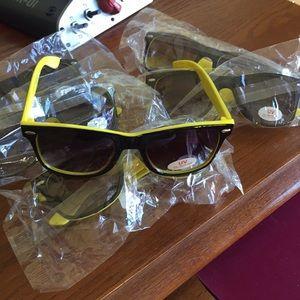 NEW Unisex Jack Daniels Tennessee Honey sunglassesNWT, used for sale